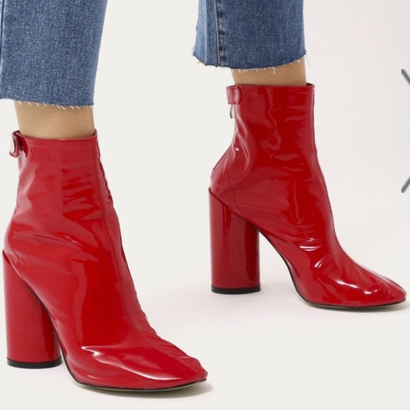6057a50d71d Lia Round Heel Ankle Boots in Red Patent BRAND NEW NWT